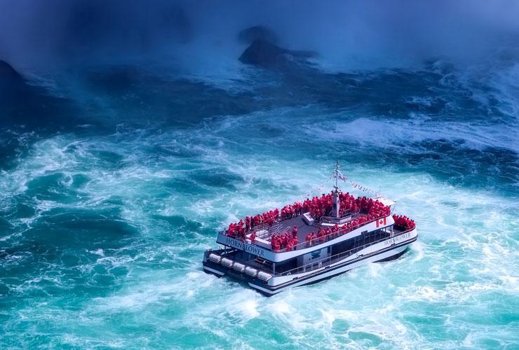 Niagara Falls Boat Trip