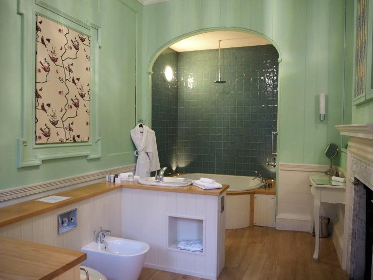 The hotel bathroom at Nanteos mansion